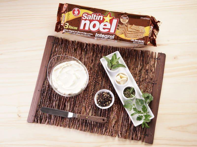 Galletas saltin noel integral con dip de hierbas saltin noel paso 1
