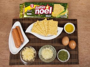 Galletas saltin noel maiz con chorizo y doble queso saltin noel paso 3