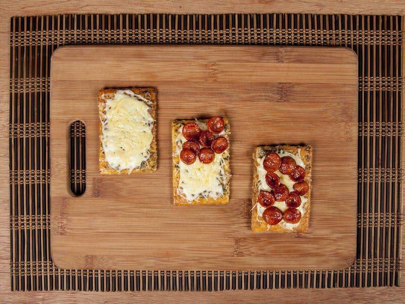 Galletas saltin noel maiz con chorizo y doble queso saltin noel paso 9