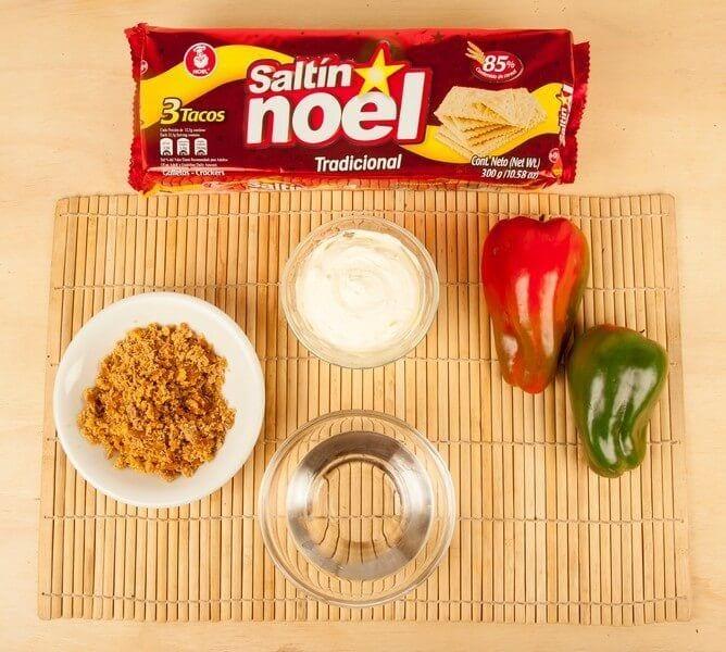 Galletas saltin noel tradicional con queso crema paso 1
