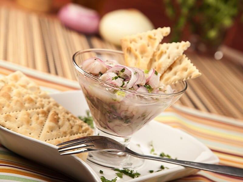 Receta ceviche de epscado con galletas saltin noel tradiconal