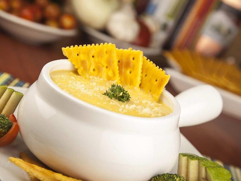 Receta crema de auyama y galletas saltin noel queso y mantequiilla