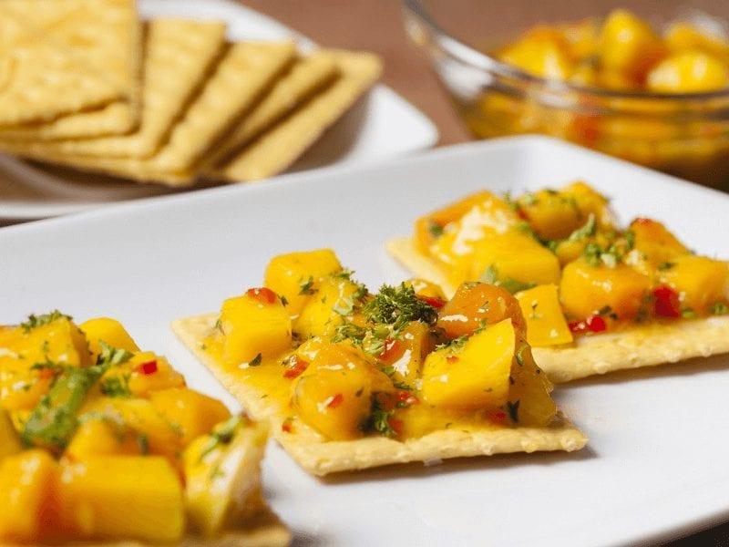 Receta galletas saltin noel maiz con ceviche de mango