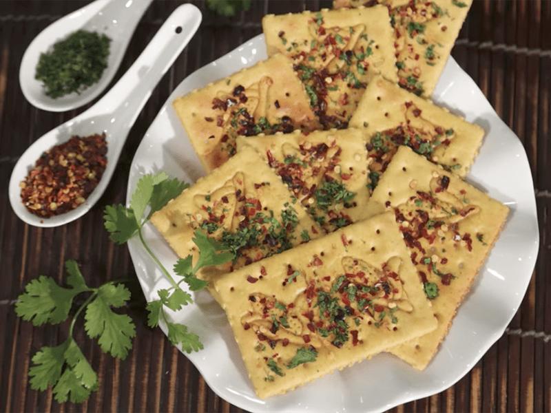 Receta saltin noel galletas maiz con pimenta en escamas