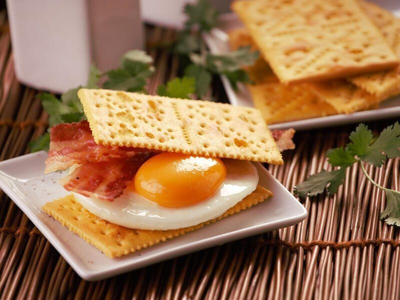 Receta saltin noel sanduche queso y mantequilla