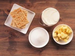Saltin noel bocadito de queso crema paso 2