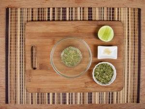 Saltin noel camarones al ajillo bañados en mantequilla de hierbas con galletas saltin noel paso 5