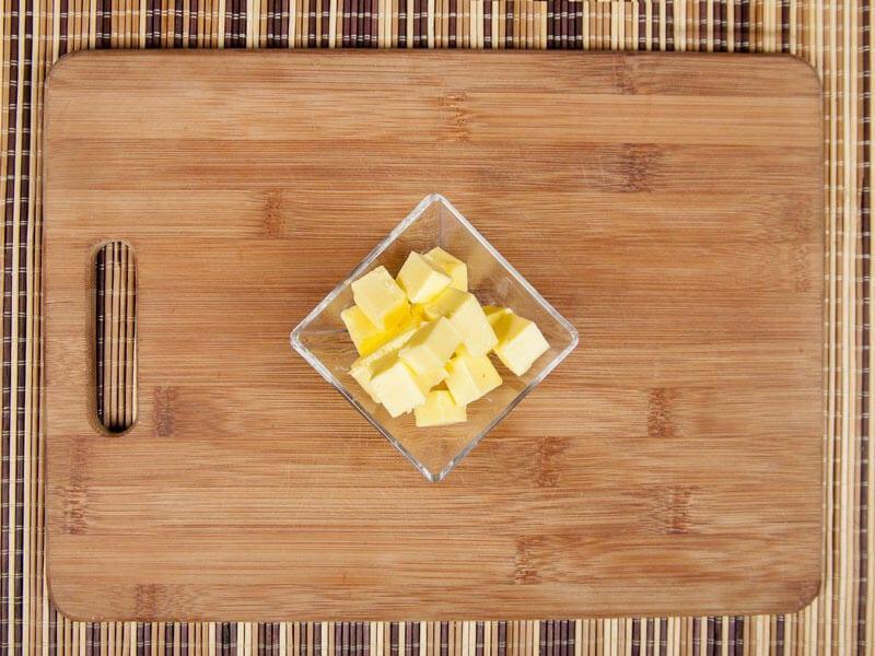 Saltin noel camarones al ajillo bañados en mantequilla de hierbas con galletas saltin noel paso 7