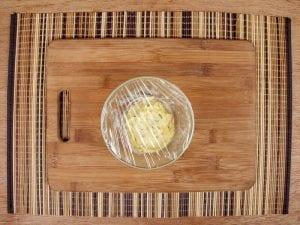 Saltin noel camarones al ajillo bañados en mantequilla de hierbas con galletas saltin noel paso 9