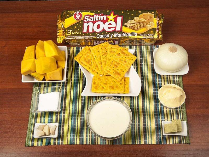 Saltin noel crema de auyama y galletas saltin noel queso y mantequilla paso 1