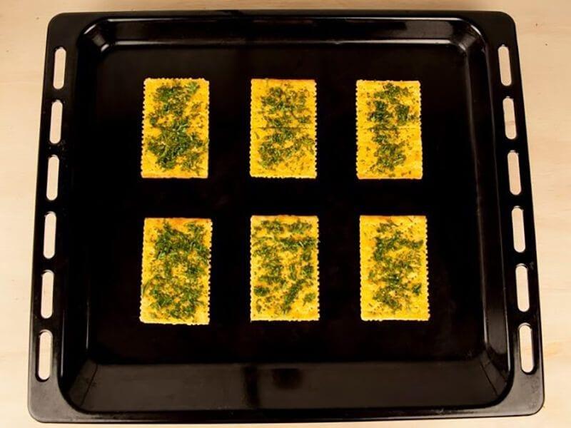 Saltin noel crema de maiz con galletas saltin noel queso y mantequilla saltin paso 4