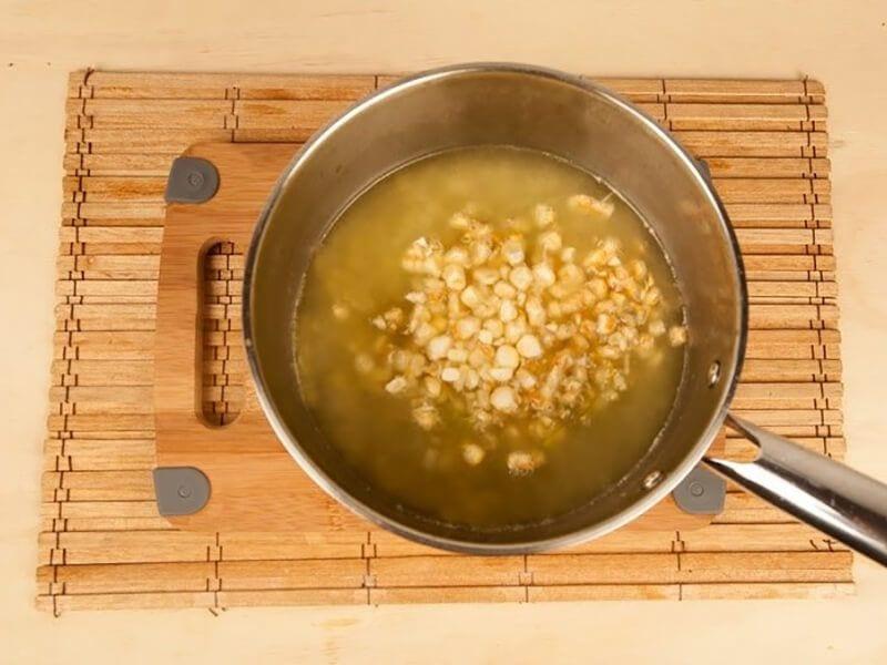 Saltin noel crema de maiz con galletas saltin noel queso y mantequilla saltin paso 7