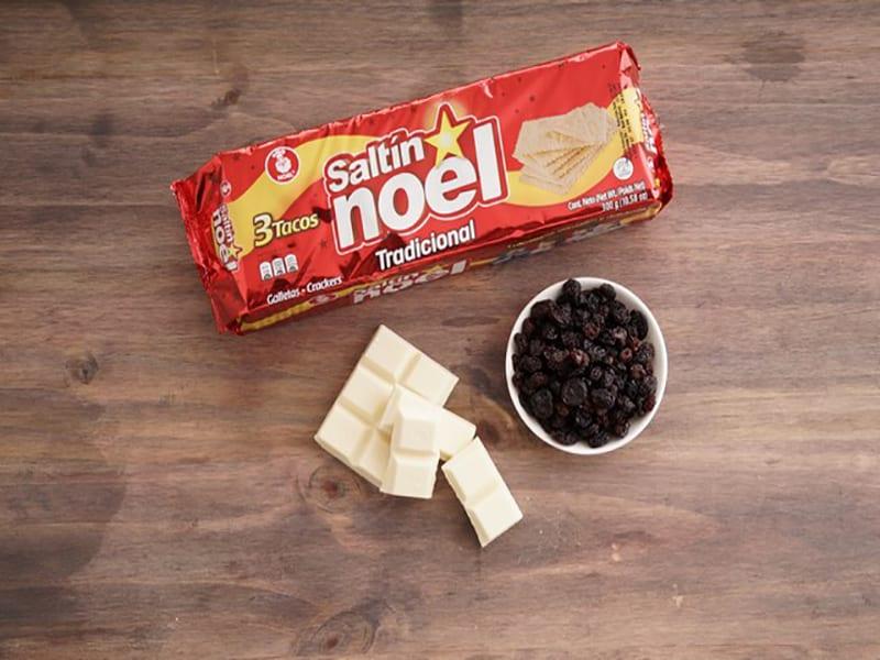 Saltin noel galletas con chocolate blanco paso 1