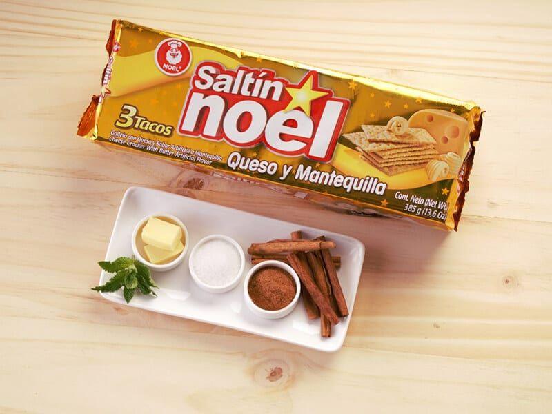 Saltin noel galletas saltin noel queso y mantequilla con azucar y canela paso 1