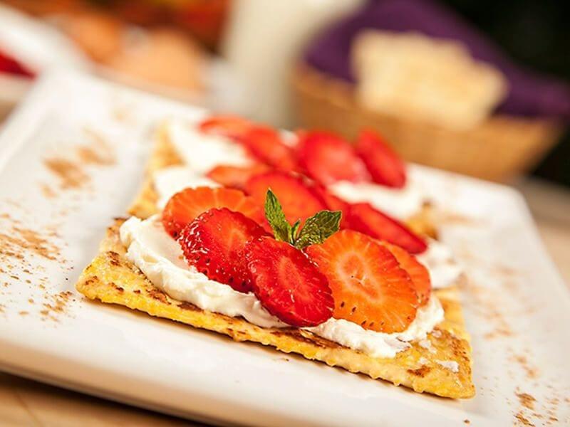 Receta saltin noel galletas tradiocnales fritas con queso crema fresa