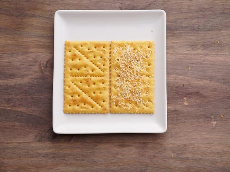 Saltin noel queso y mantequilla paso 2