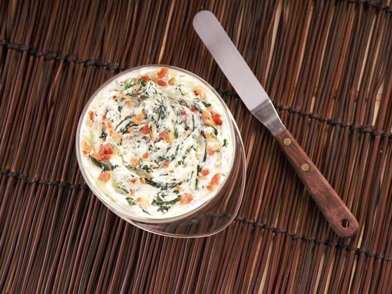 Saltin noel tradicional con dip de tocineta y espinaca paso 5