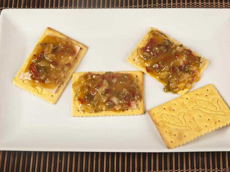 Sandwich saltin noel maiz con chutney de mango y pollo saltin noel paso 4