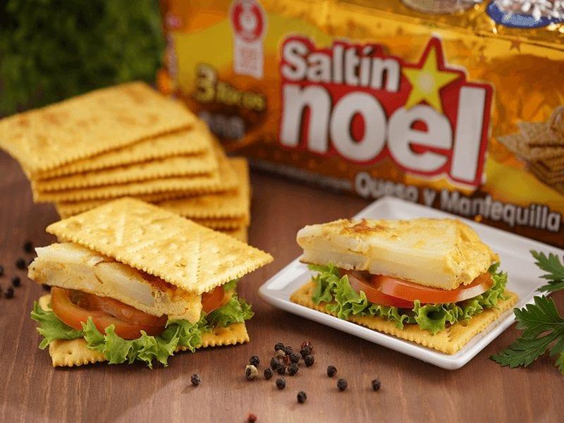 Receta tortilla española con galletas Saltin noel queso y mantequilla